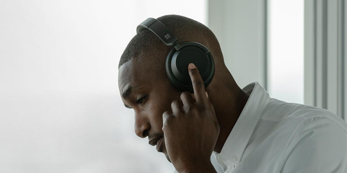 Surface Headphones 2 in Matte Black